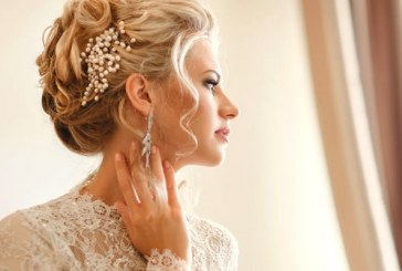 شش نوع هدبند و گوشواره و گردنبند متناسب با انواع یقه لباس عروس