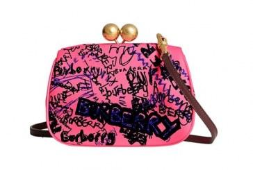 معرفی مدل جدیدی از کیف های کلاچ از برند Burberry