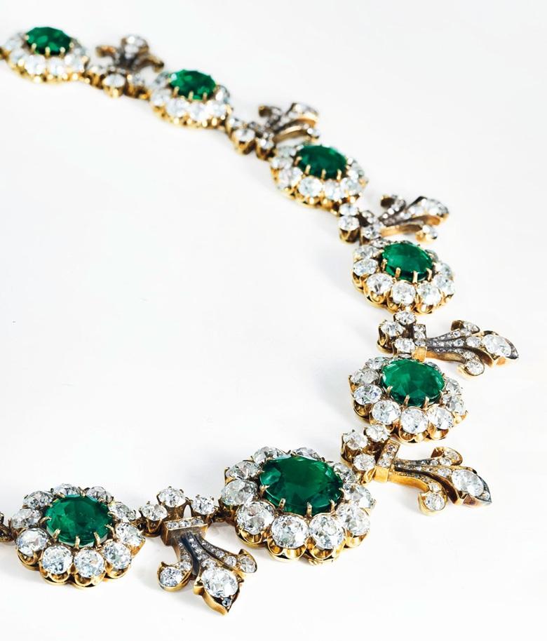 پنج دقیقه با جنجالی ترین گردنبند الماس و یاقوت از کمپانی Tiffany