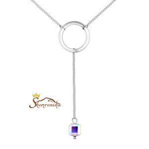 گردنبند مدرن با آویز حلقه گرد و سنگ مکعبی سواروسکی - سیلور  (۲)