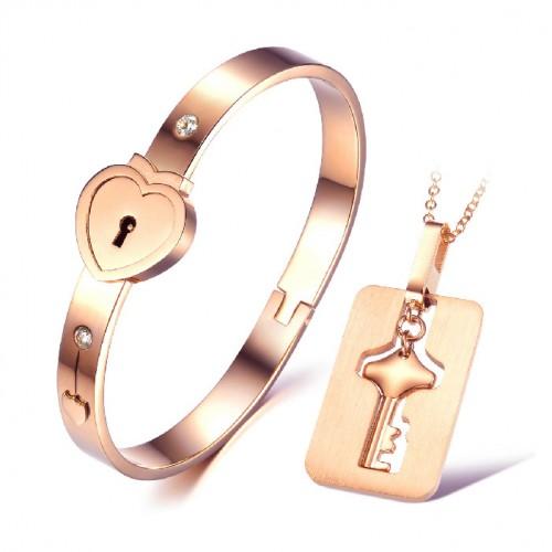 ست استیل مردانه زنانه – دستبند و گردنبند با آویز کلید رزگلد