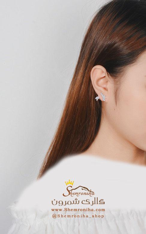 گوشواره روی گوشی گل